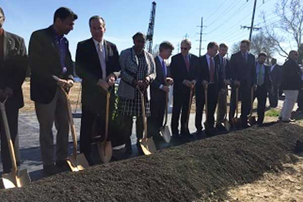 gov-watercampus-ground-break-02-2015